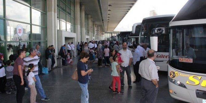 İstanbul ve Ankara'da şehir dışına çıkışlar durduruldu