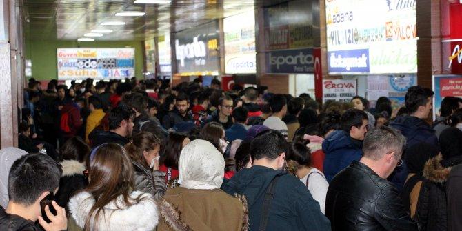 Yolcular İstanbul'da otogarın yolunu tuttu: Bilet fiyatları fırladı!