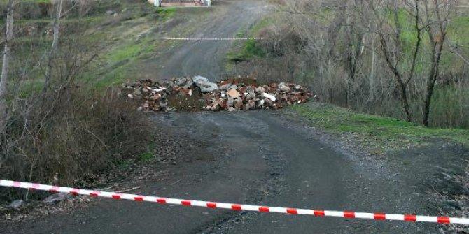 Köy yolları böyle kapatıldı