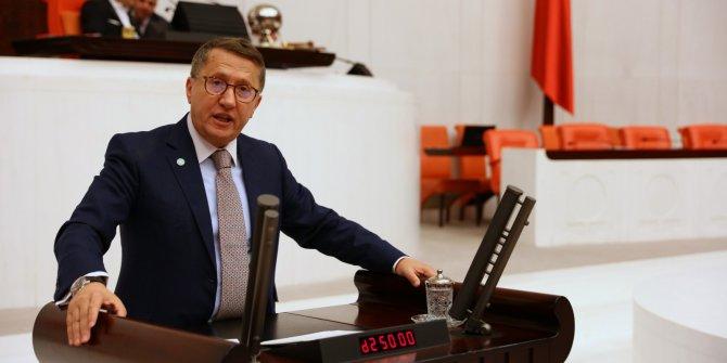 İYİ Partili Lütfü Türkkan'dan Kızılay'a dikkat çeken gönderme
