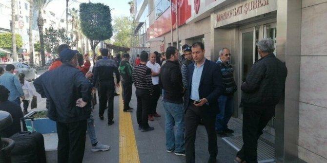 Antalya'da kredi kuyruğu oluştu