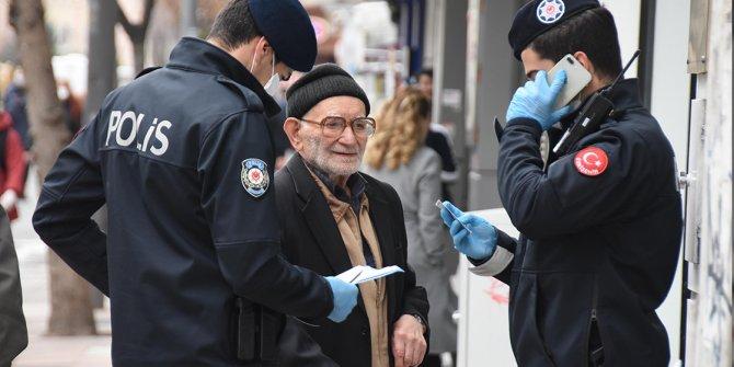 93 yaşındaki Ahmet dede fatura ödemeye giderken yakalandı!