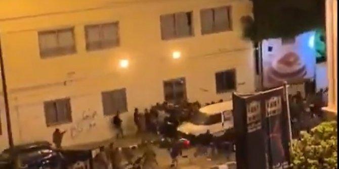 Lübnan'da halk sokağa çıkma yasağını deldi.