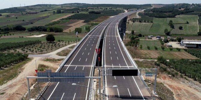 Evdeki vatandaş yola, köprüye para ödüyor