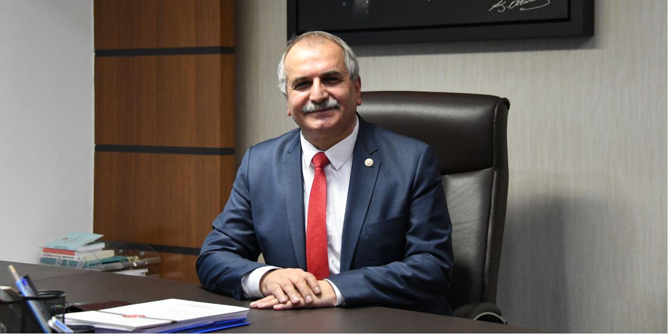 İYİ Parti İstanbul milletvekili Ahmet Çelik, Berat Kandili'ni kutladı