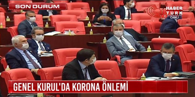 Meclis'te maskeli oturum yaparak tarihe geçtiler