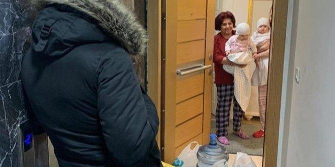 Yürek burkan fotoğraf: Doktor babanın çocuklarına uzaktan bakışı