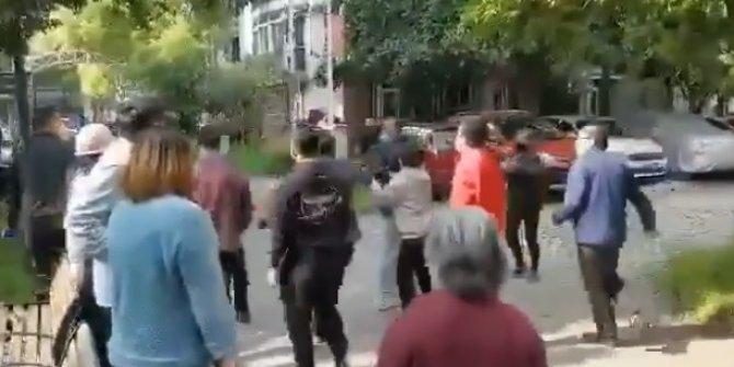 Çin'de sokağa çıkma yasağı sonrası vatandaşlar kavga etti