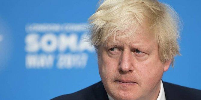 Korona tedavisi gören Boris Johnson yoğun bakımdan çıktı