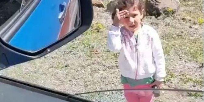 Küçük kız Jandarma'yı görünce öyle bir şey yaptı ki! Yürek ısıtan görüntü