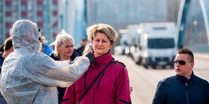 Almanya'da korona virüs tedbirlerinin gevşetilmesi tartışılıyor