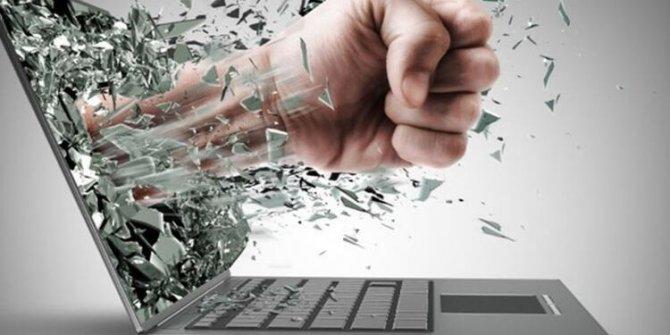 Çağın şiddeti siber zorbalık