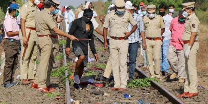 Raylarda uyuyan işçilere tren çarptı: 14 ölü