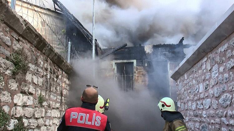 Fatih'te yangın paniği