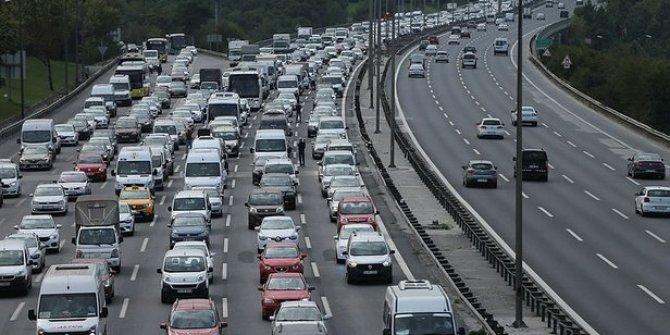 Yasak öncesi yola çıkacaklar dikkat! İşte istanbul trafiğinde son durum!