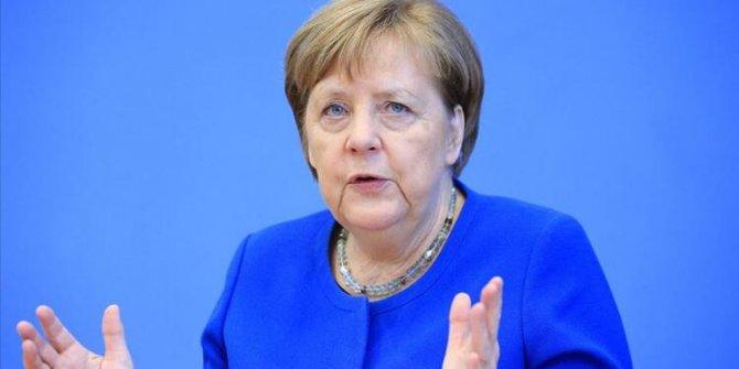 Angela Merkel duyurdu! Ve kapılar açılıyor