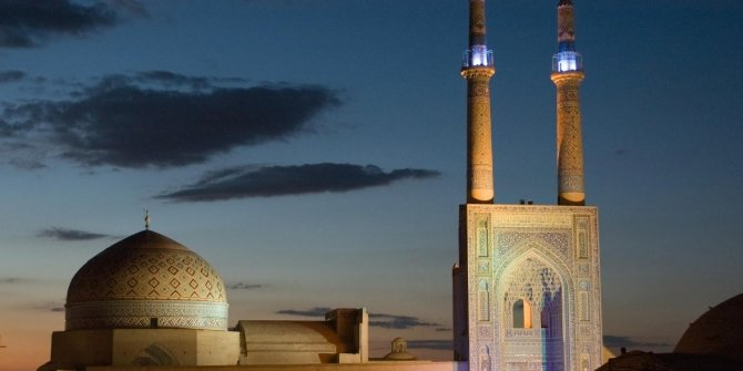 Hamaney Bilim Kurulunda konuştu, İran'da camiler açıldı
