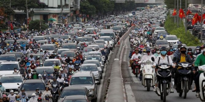 Endişe veren görüntü: Yollar doldu taştı