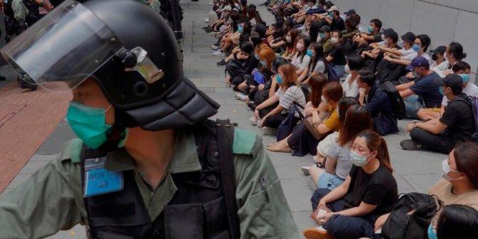 Koronaya rağmen protestolar sürüyor