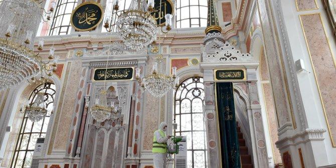 Beşiktaş'taki camiler dezenfekte edildi