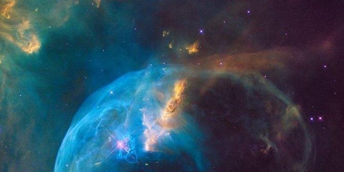 Uzayın deriliklerinde keşfedildi! 3.4 milyar ışık yılı uzaklıkta