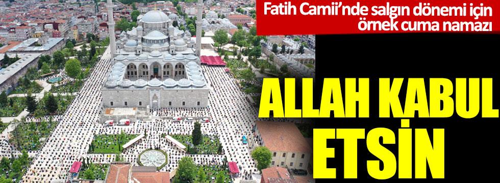 Fatih Camii'nde salgın dönemi için örnek cuma namazı
