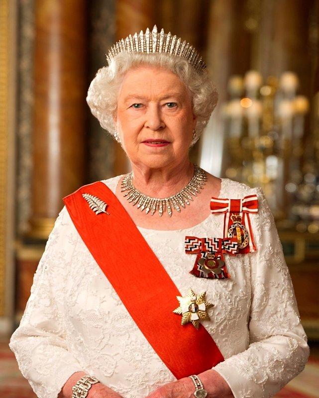 Mahkeme kararını verdi! Kraliçe zor durumda