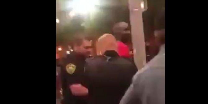 Irkçı ABD polisi gösterici yerine FBI ajanını gözaltına aldı