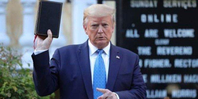"""Trump'tan flaş itiraf """"Sığınağa indim"""""""