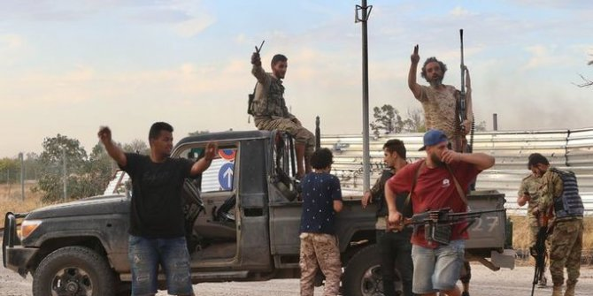 Libya ordusu Trablus'u kontrol altına aldı