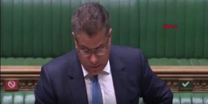 İngiltere Parlamentosu'nda korona virüs paniği kameralara böyle yansıdı