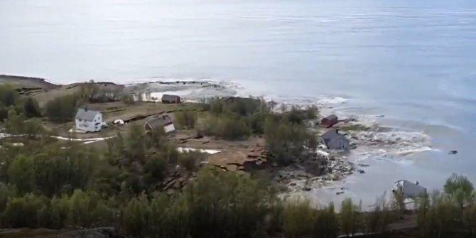 Korkunç heyelanda 8 ev sulara gömüldü! Saniye saniye kaydedildi!