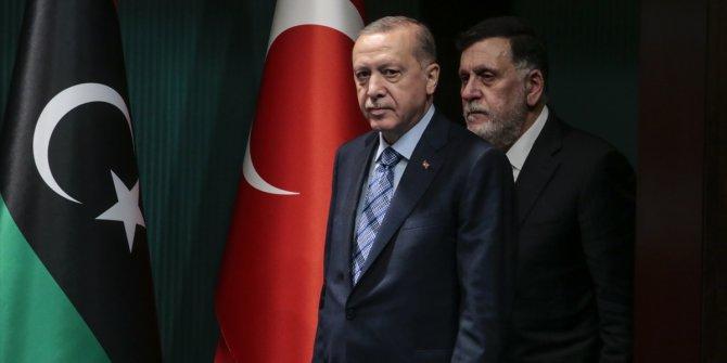 """İtalyan La Repubblica'nın manşeti: """"Libya'nın patronu Erdoğan"""""""