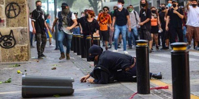 Polis maske takmayan adamı döverek öldürünce bir ülke daha karıştı: Sokaklar yanıyor!