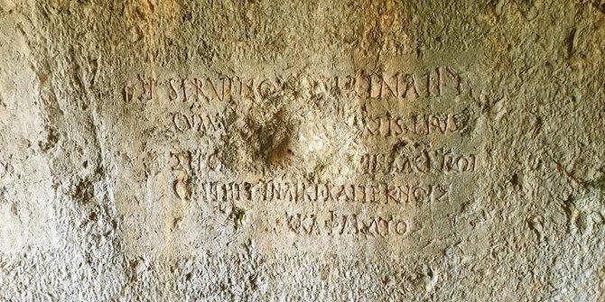 2 bin yıllık mezar odası, depo oldu