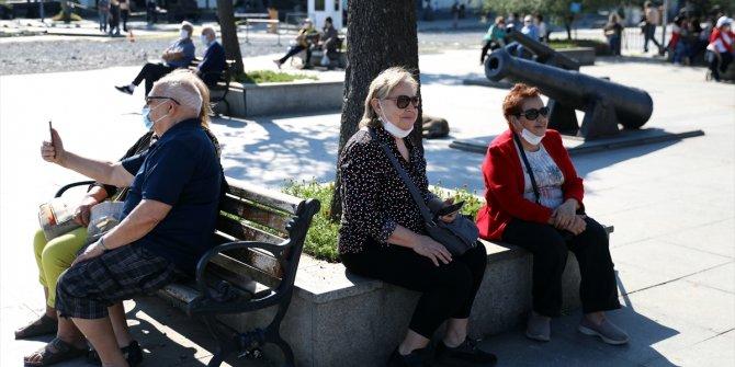 65 yaş üstü vatandaşlara müjde: Sokağa çıkma yasağında yaş sınırlaması ne zaman kaldırılıyor? İşte yeni formül