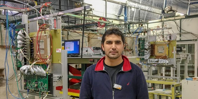 """CERN'de çalışan Türk fizikçinin annesi şaşkın: """"Biz senin öğretmen olmanı bekliyorduk"""""""