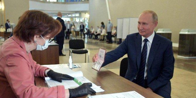 Putin sandık başında