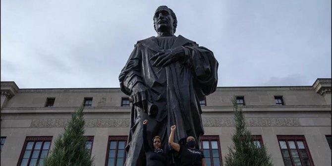 Kristof Kolomb'un heykeli isminin verildiği şehirden kaldırıldı