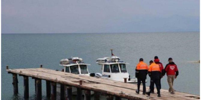 Van'daki tekne faciasında ölü sayısı artıyor