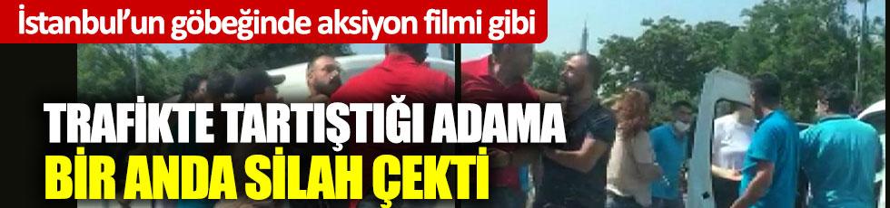 İstanbul'un göbeğinde aksiyon filmi gibi: Trafikte tartıştığı adama bir anda silah çekti