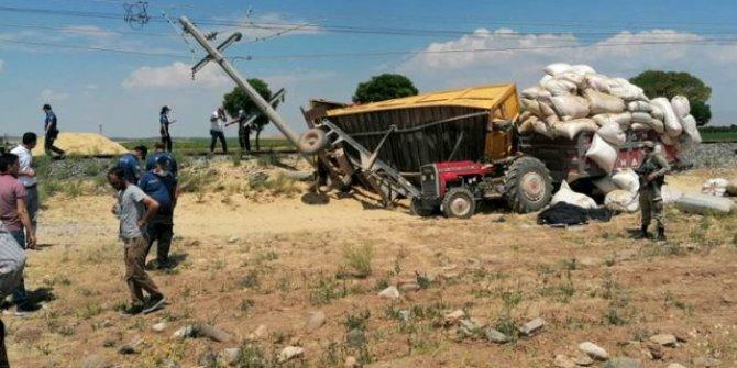 Yük treninin çarptığı römork traktörün üstüne düştü! Dünyanın en garip zincirleme kazası