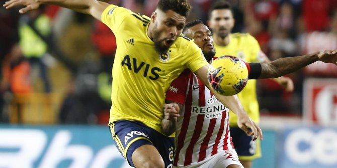 Fenerbahçe'de stoper krizi: Oyuncuyu geri çağırdılar