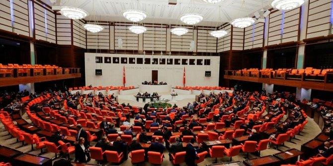 Çoklu baro teklifi Meclis'ten geçti: Gece yarısı dikkat çeken madde eklendi