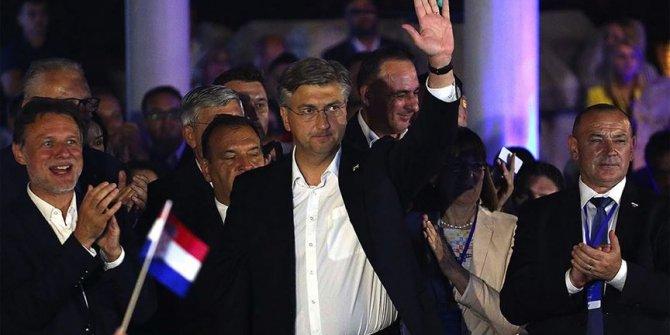 Hırvatistan'da zafer demokratların