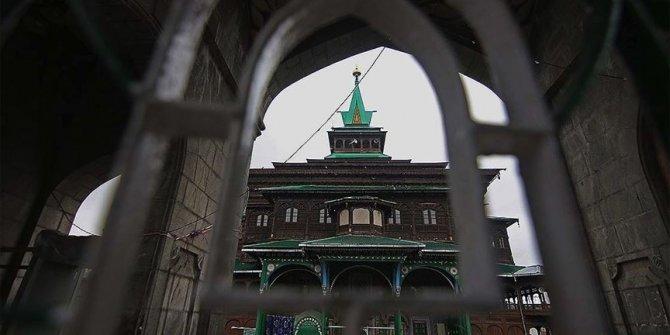 Müslümanlara yasak, Hindulara serbest