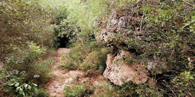 Define mağarası mezarları oluyordu