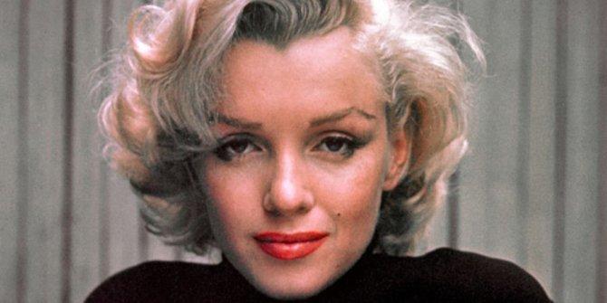 Marilyn Monroe'ya koşarken  Einstein ile karşılaştılar