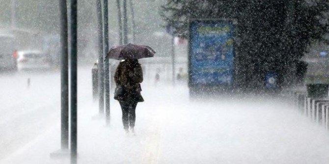 """Doğu Karadeniz için """"şiddetli yağış"""" uyarısı"""