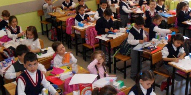 Öğrenciler veliler ve öğretmenler tedirgin: Okullar açılacak ama Sağlık Bakanlığı'nın istediği sınıflar yok